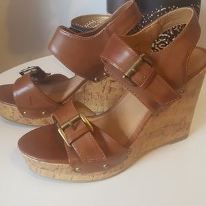 Mossimo brown platform shoes -size 6 1/2